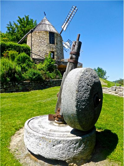 Picture Of Grinding Wheel Windmill