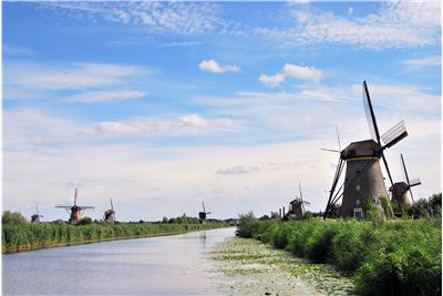Picture Of Windmills Kinderdijk River
